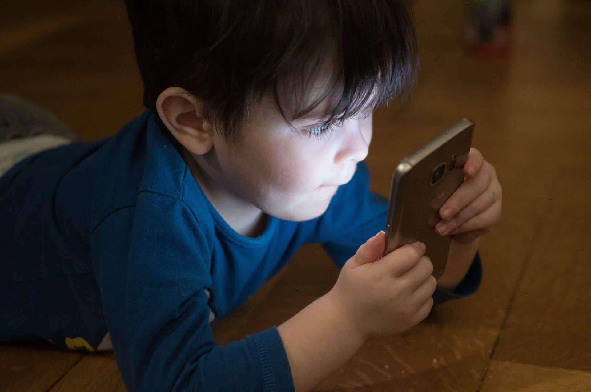 オンラインで赤ちゃんの写真を保護する方法